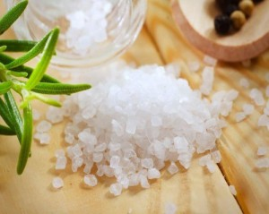 соль на столе