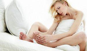 свело ногу судорогой