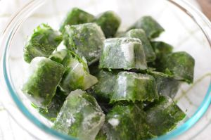 Ледяные кубики из травяного отвара
